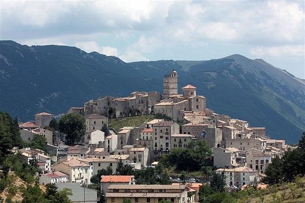Castel Del Monte L Aquila And Its Province Abruzzo Locali D Autore